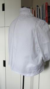 Arm. Bluse Rückseite Puppe
