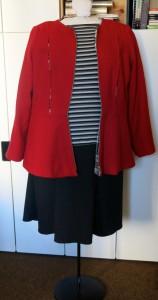 Schwarzer jerseyrock mit roter Jacke vorne