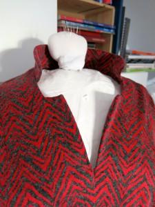 Rotes Jaquardkleid Detail 1