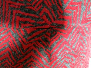 Rotes Jaquardkleid Detail 2