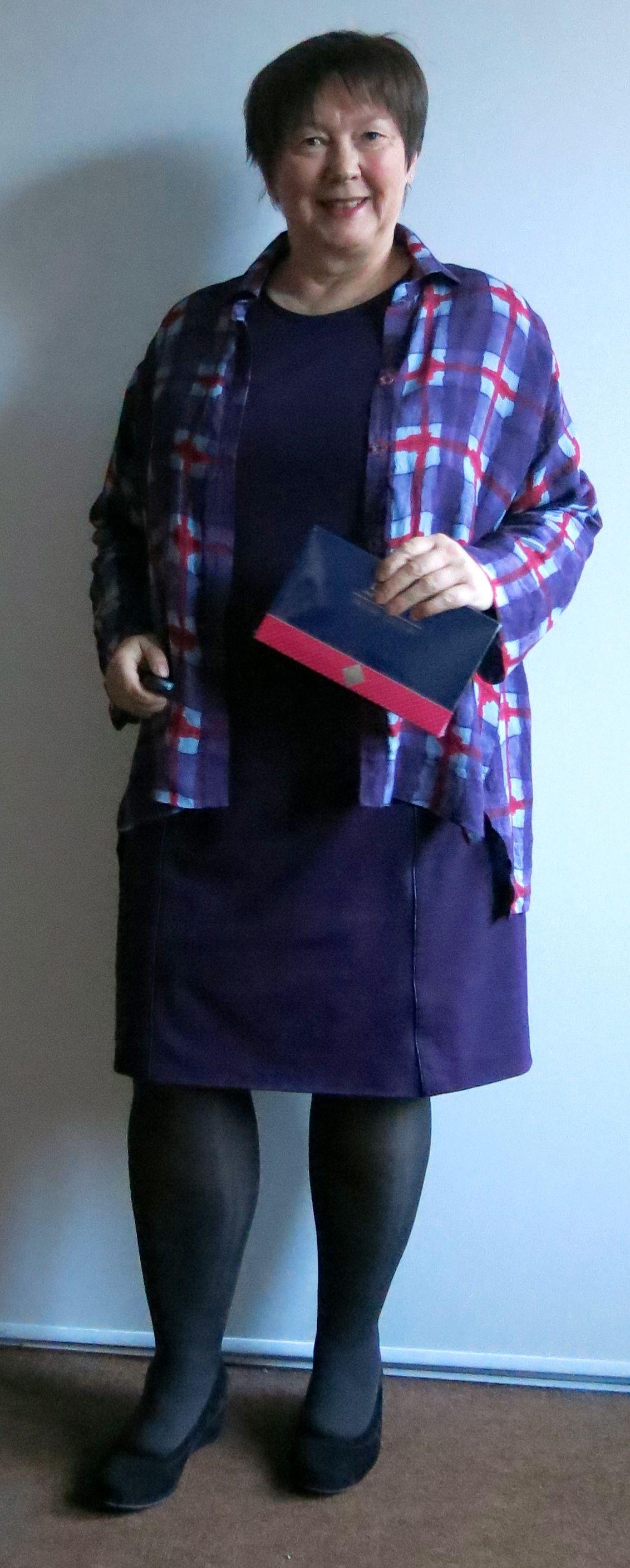 Kleid mit Pralinenschachtel