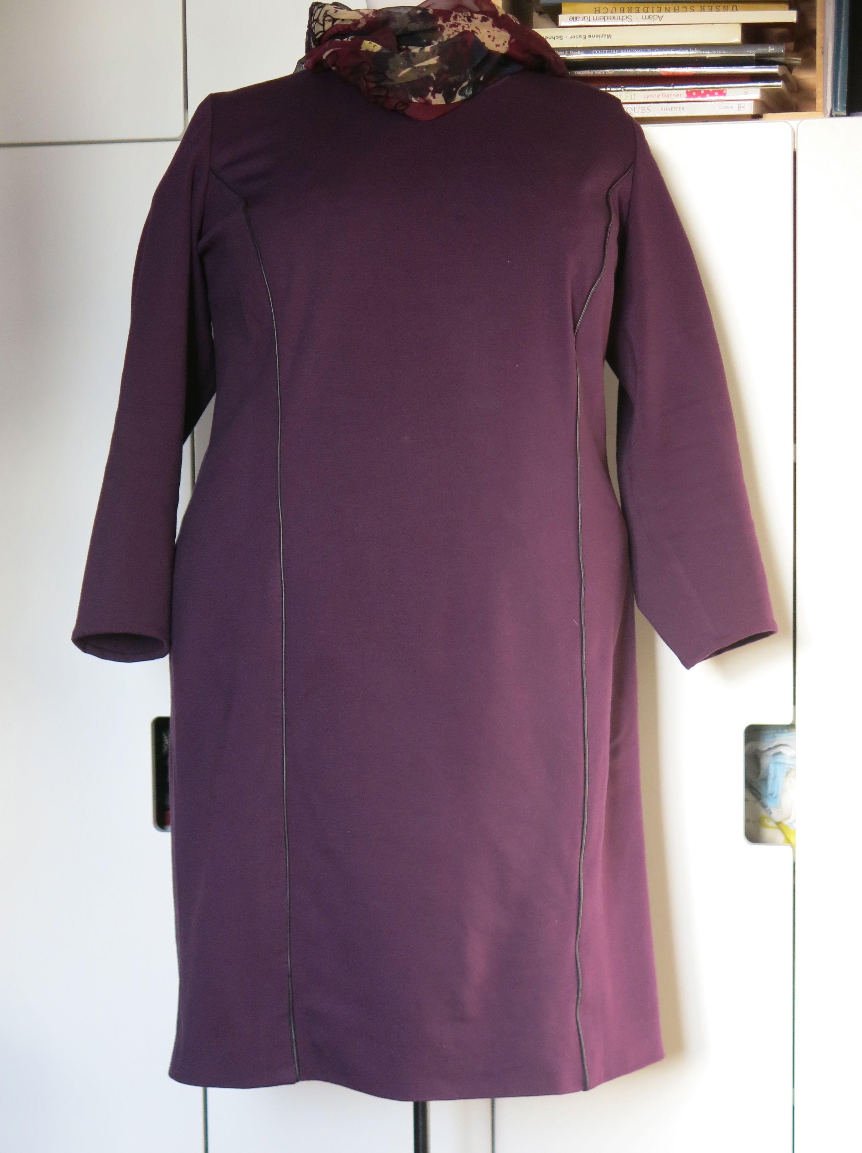 Lila Kleid ADP vorne