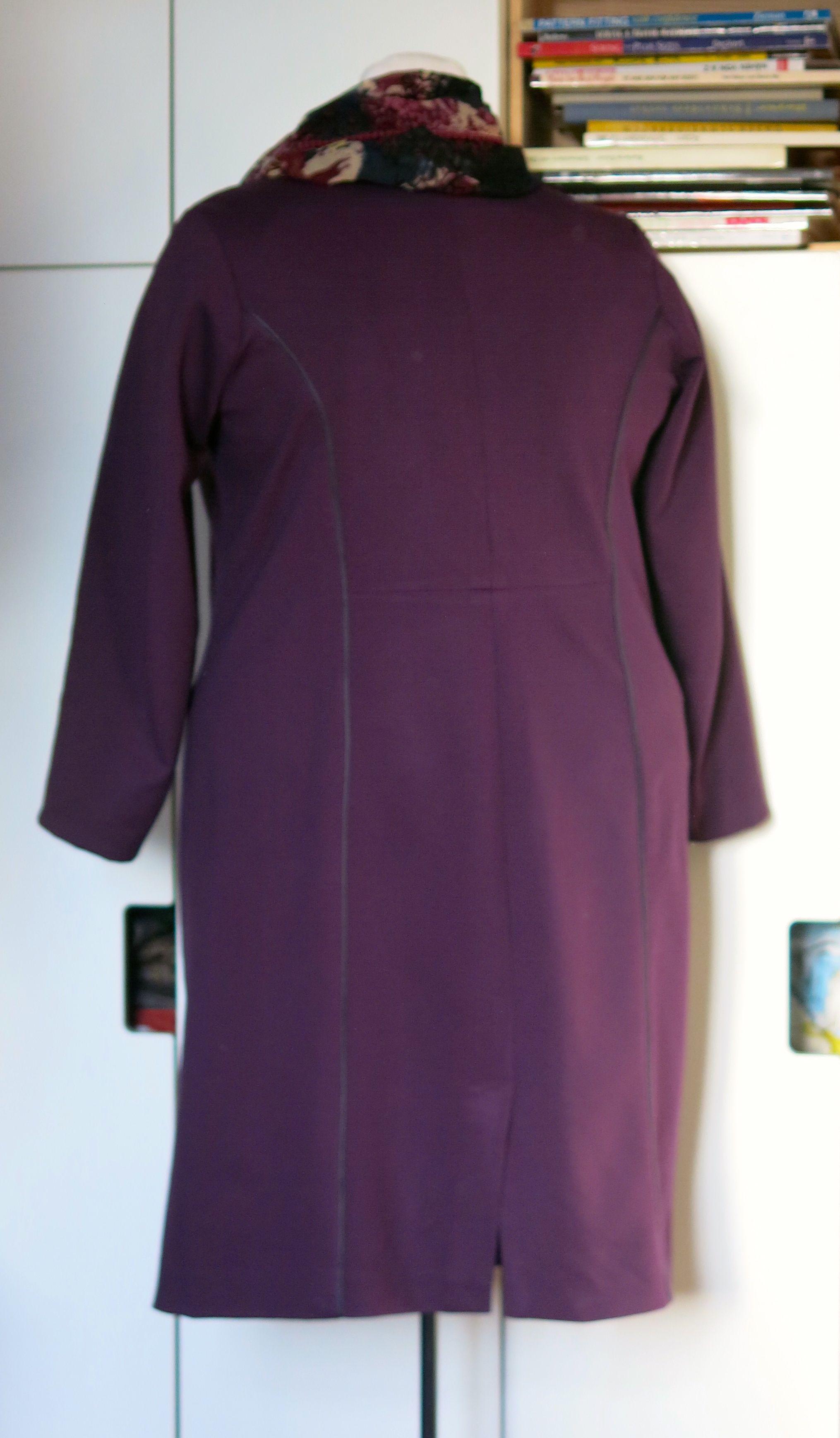 Lila Kleid adp hinten