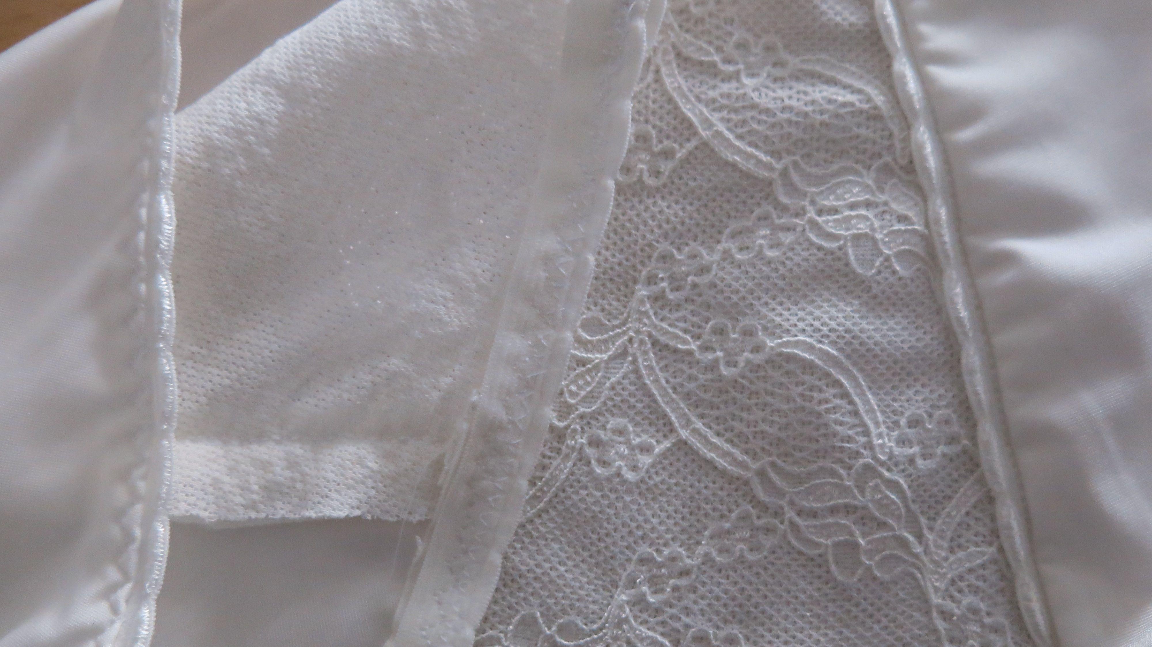 cremefarbene Panties Detail