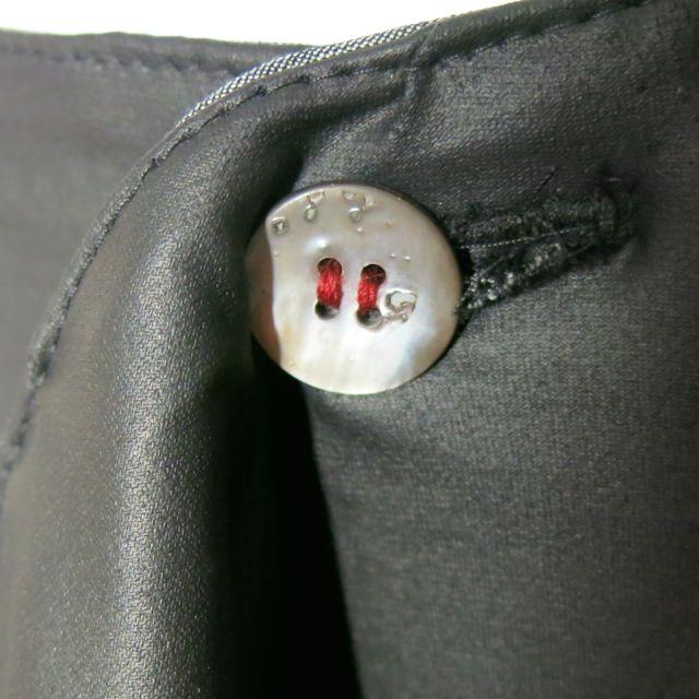 Wickelrock schwarz Knopfdetail