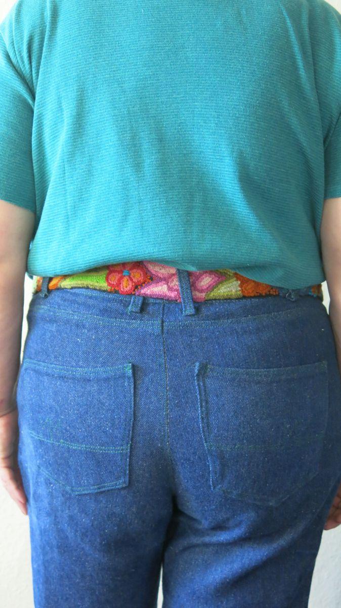 Jeans gruene Absteppung hinten